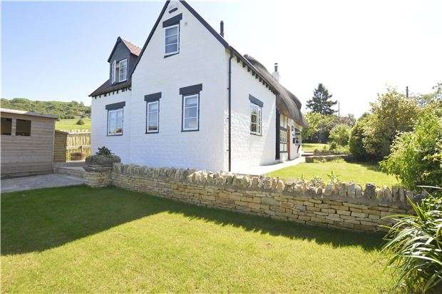 3 Bedrooms Detached House for sale in Bushcombe Lane, Woodmancote, GL52 9QJ