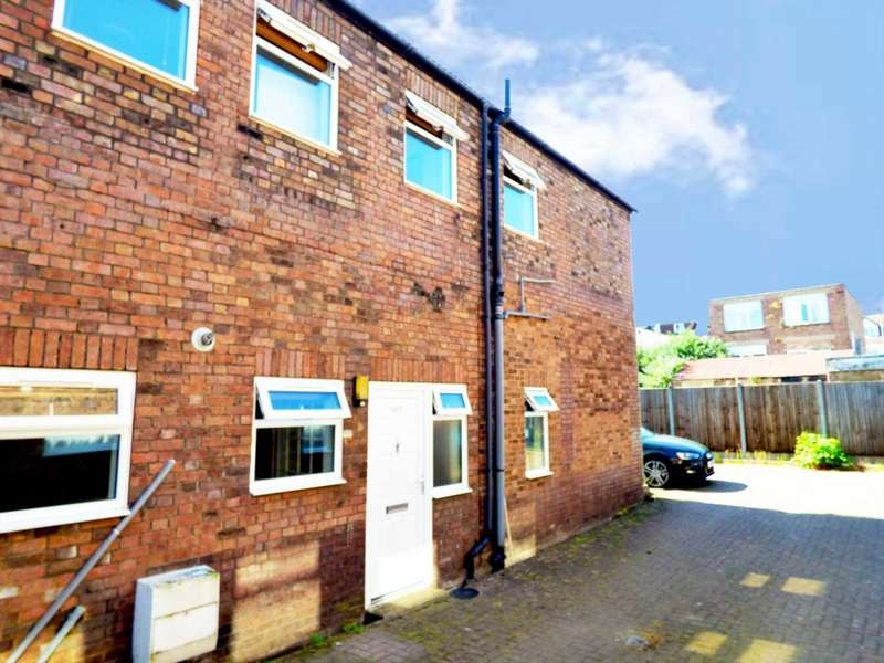 2 Bedrooms End Of Terrace House for sale in Reginald Street, Luton