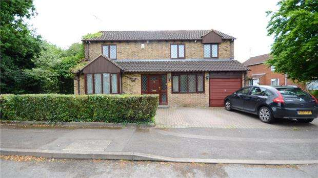 4 Bedrooms Detached House for sale in Tinwell Close, Lower Earley, Reading