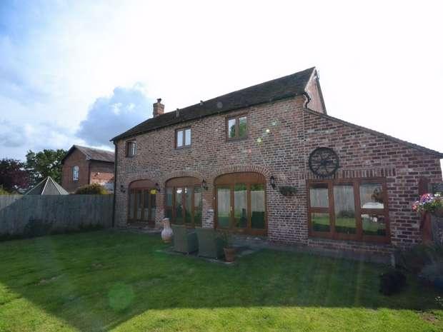 3 Bedrooms Mews House for sale in Preston House Barns, Preston, Telford, Shropshire