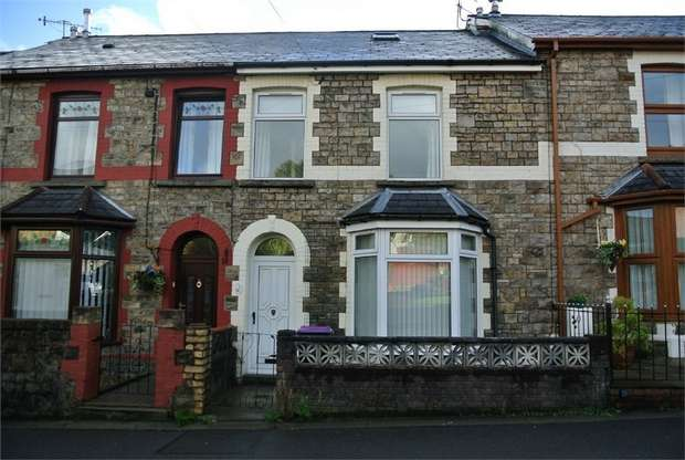 3 Bedrooms Terraced House for sale in Poplar Terrace, Pontnewynydd, Pontypool