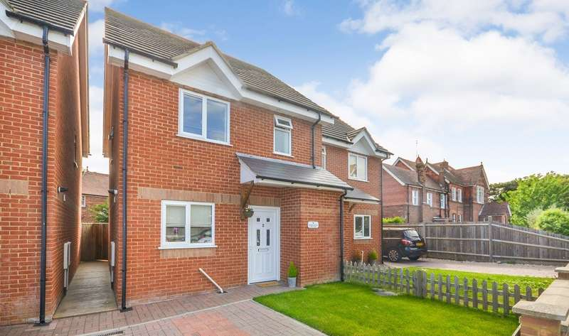 4 Bedrooms House for sale in Wyncliff Villas, Collinswood Drive, St Leonards On Sea, TN38
