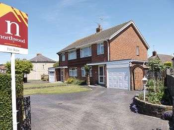3 Bedrooms House for sale in Stakes Road, Purbrook, Waterlooville, PO7 5NP