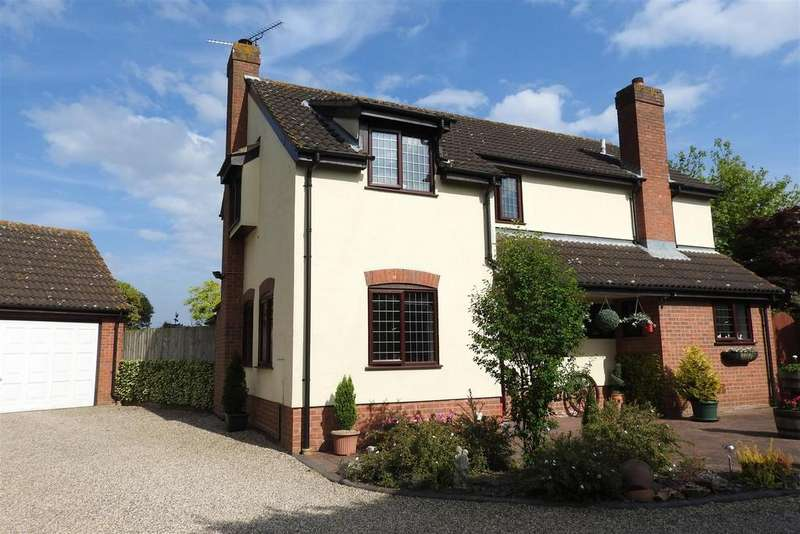 4 Bedrooms Detached House for sale in Woodland Close, Hatfield Peverel, Chelmsford