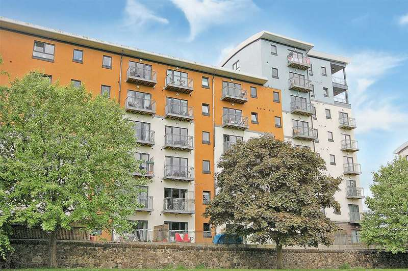 2 Bedrooms Apartment Flat for sale in Lochend Park View, Edinburgh