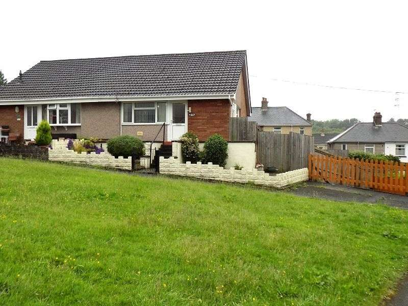 1 Bedroom Bungalow for sale in Darren Road, Briton Ferry, Neath Port Talbot. SA11