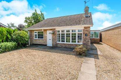 4 Bedrooms Detached House for sale in Holly Close, Newborough, Peterborough, Cambridgeshire