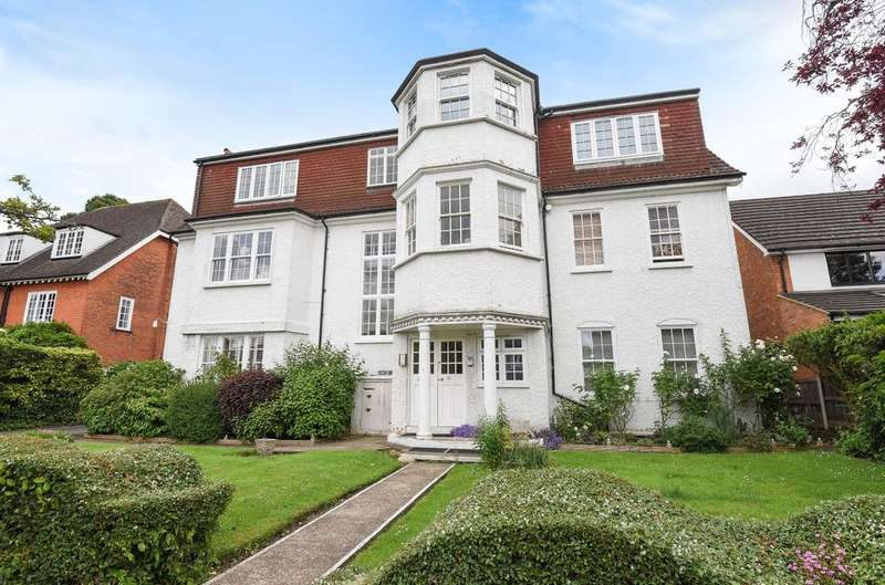 2 Bedrooms Flat for sale in Edward Road Bromley BR1
