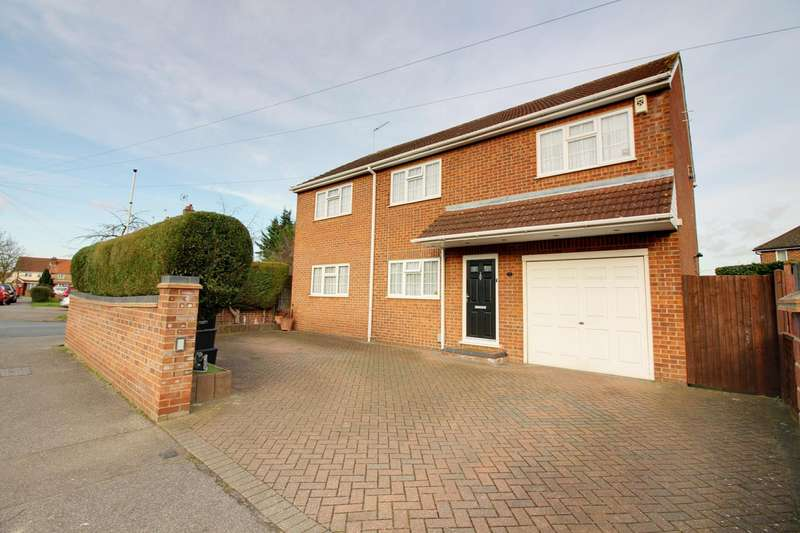 4 Bedrooms Detached House for sale in Hawthorne Avenue, Waltham Cross, Hertfordshire, EN7
