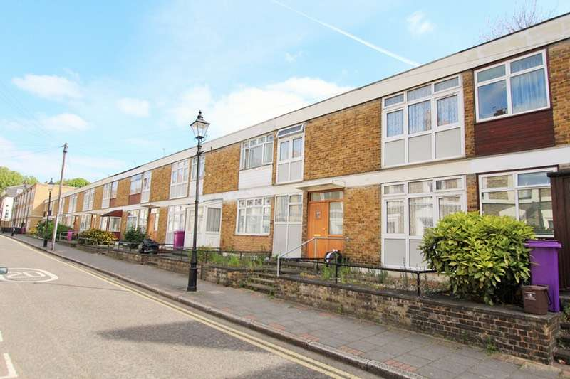 4 Bedrooms Terraced House for sale in Brokesley Street, London, London, E3