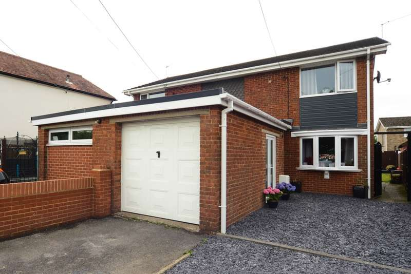 3 Bedrooms Semi Detached House for sale in Salisbury road, Totton, Hampshire, SO40