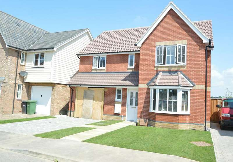 4 Bedrooms Detached House for sale in Ozier Field, Halstead CO9