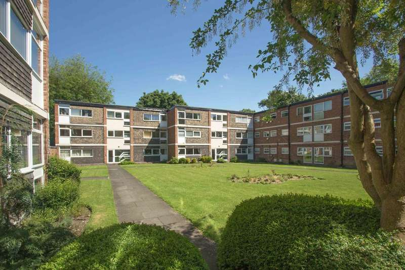 1 Bedroom Flat for sale in Grove Court, Grove Lane, Headingley, Leeds 6