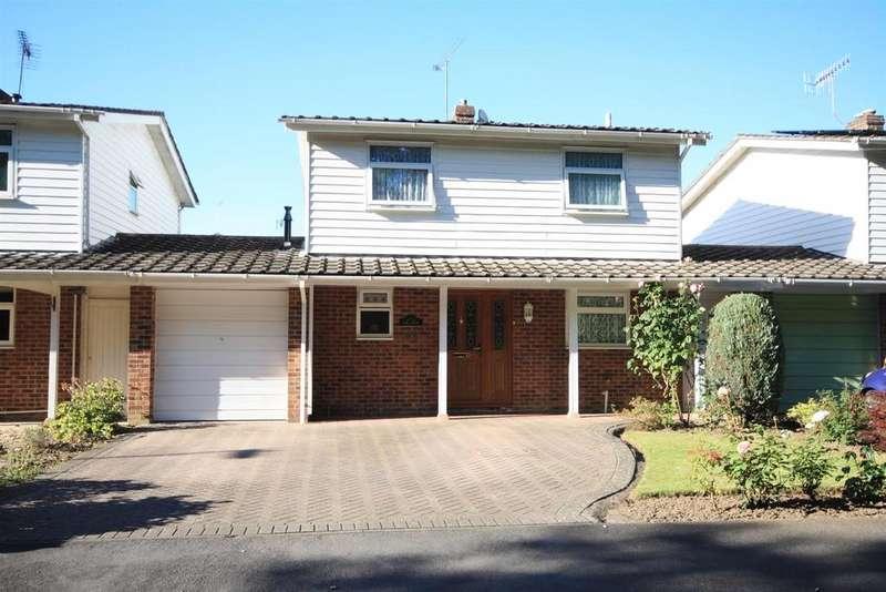 3 Bedrooms Detached House for sale in Dean Road, Fair Oak, Eastleigh
