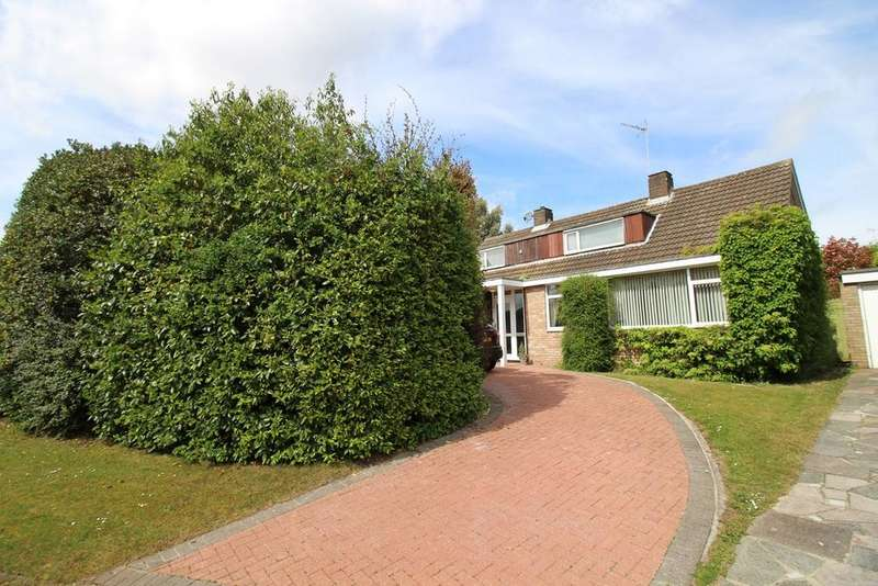 4 Bedrooms Detached House for sale in The Holdings, Hatfield, AL9