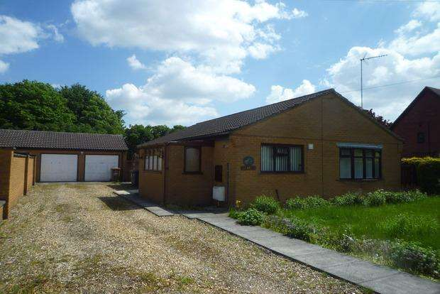 3 Bedrooms Detached Bungalow for sale in Elm Low Road, Wisbech, PE14