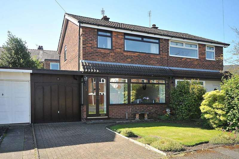 3 Bedrooms Semi Detached House for sale in Evesham Close