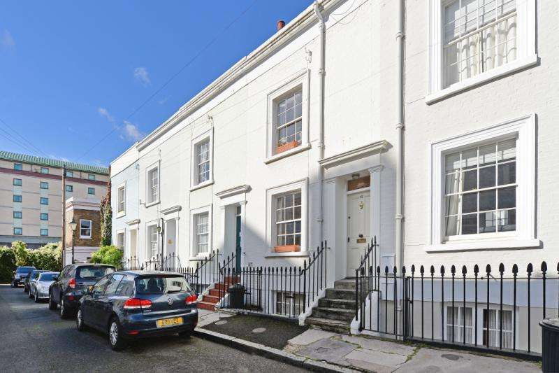 3 Bedrooms Terraced House for sale in Billing Street, Chelsea, London, SW10