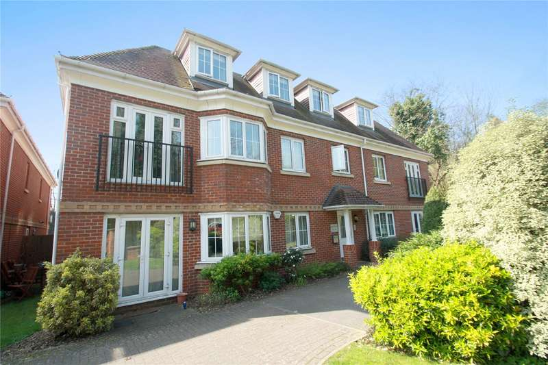 2 Bedrooms Apartment Flat for sale in St. Georges Gate, Woburn Hill, Addlestone, Surrey, KT15