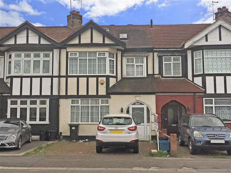 4 Bedrooms Terraced House for sale in Longwood Gardens, Ilford, Essex