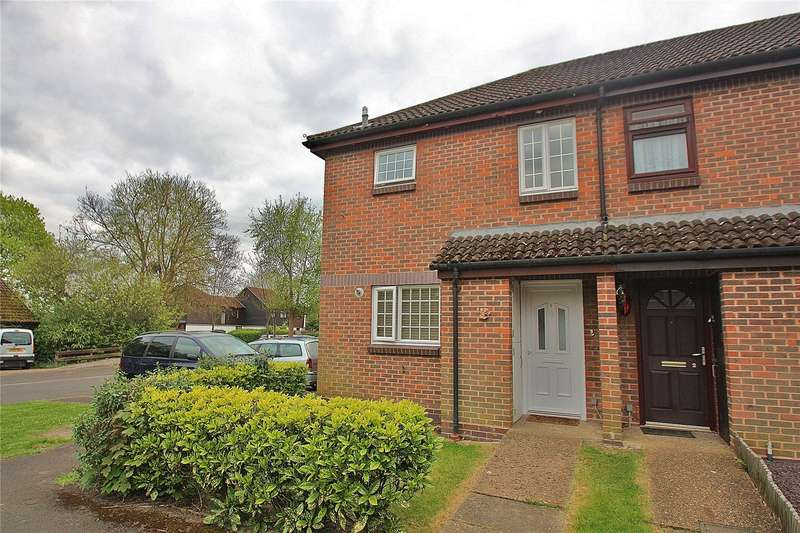 2 Bedrooms End Of Terrace House for sale in Codrington Court, Knaphill, Surrey, GU21