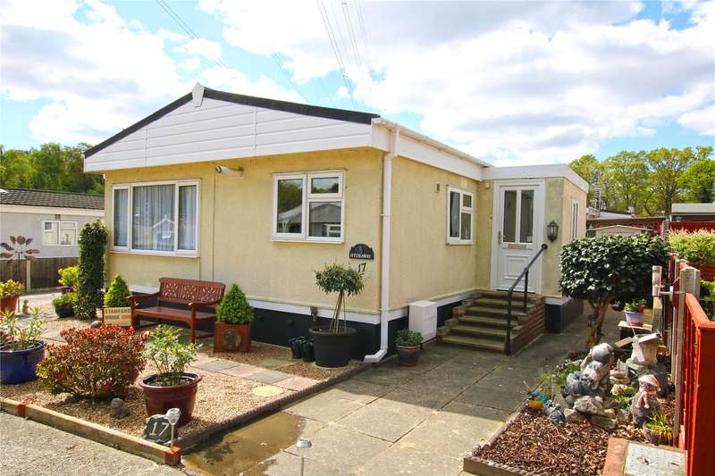 2 Bedrooms Detached House for sale in Warren Farm Home Park, Warren Lane, Pyrford, Surrey, GU22