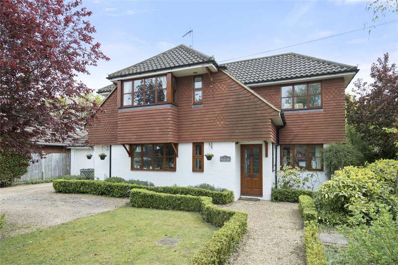 4 Bedrooms Detached House for sale in Forest Road, Effingham Junction, Leatherhead, Surrey, KT24