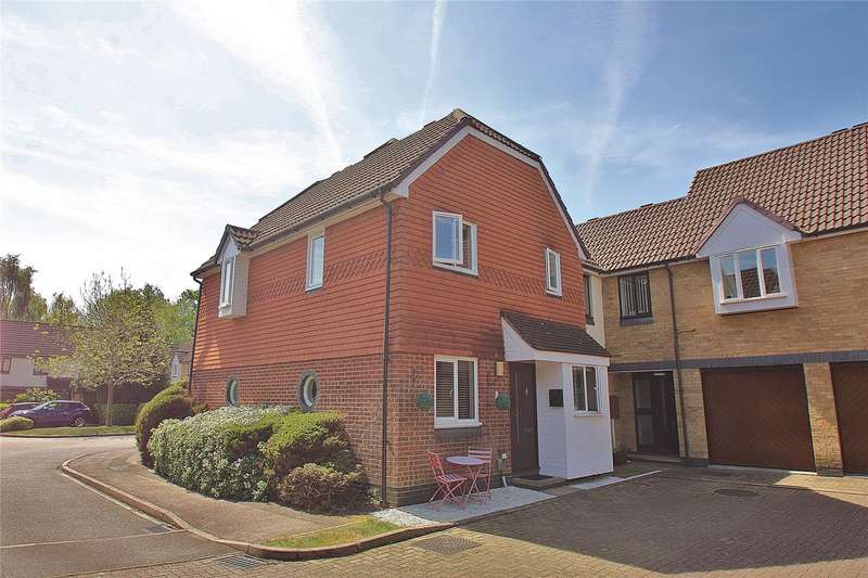 1 Bedroom Apartment Flat for sale in Friary Court, St Johns, Surrey, GU21