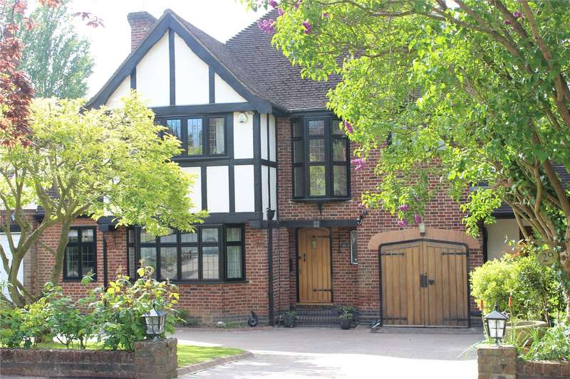 4 Bedrooms Detached House for sale in Meadow Way, Chigwell, Essex, IG7