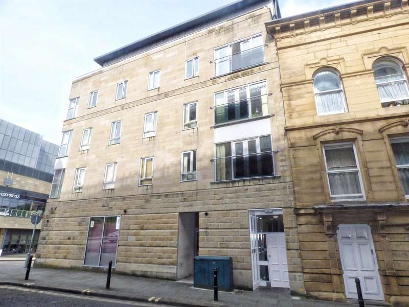 2 Bedrooms Apartment Flat for sale in Crossley House, Town Hall Street East, HALIFAX, West Yorkshire, HX1