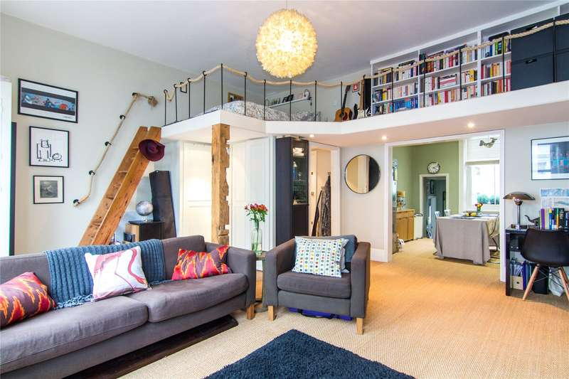 1 Bedroom Flat for sale in Castletown Road, Barons Court, West Kensington, London, W14