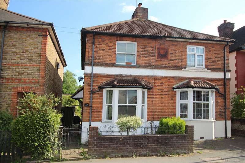 2 Bedrooms Semi Detached House for sale in Arnold Road, Woking, Surrey, GU21
