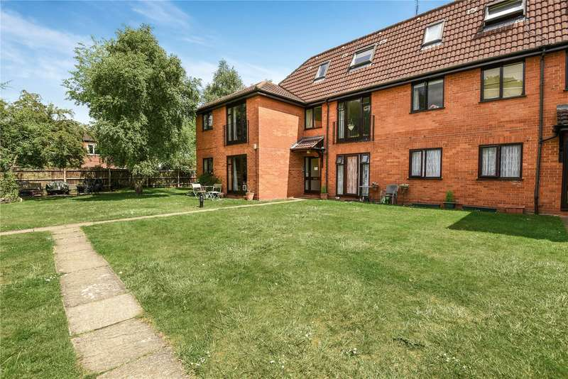 2 Bedrooms Apartment Flat for sale in Elm Court, Durham Road, Sandhurst, Berkshire, GU47