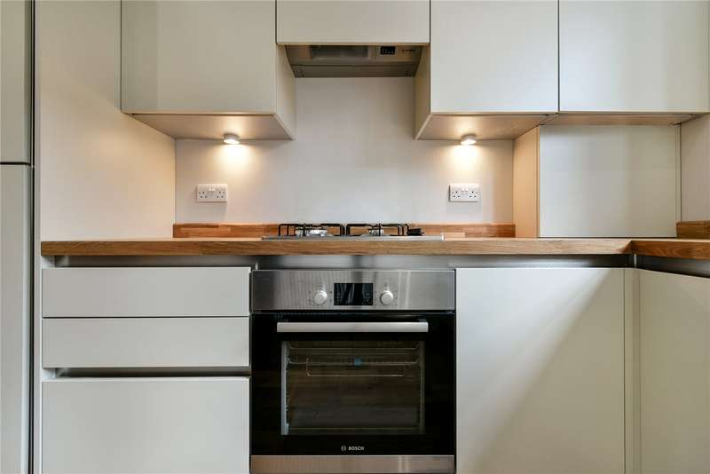 2 Bedrooms Flat for sale in Tooting High Street, London, SW17