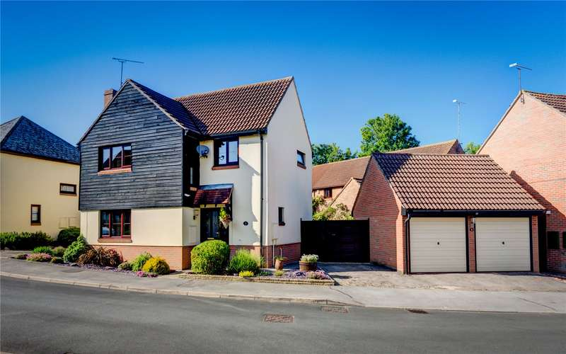 4 Bedrooms Detached House for sale in Dunmow