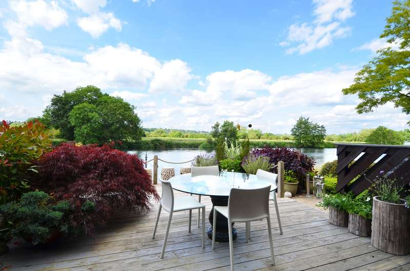 3 Bedrooms House for sale in Temple Mill Island, Marlow, SL7