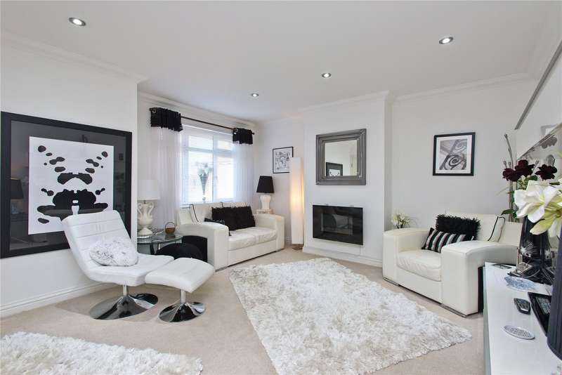 2 Bedrooms Flat for sale in Bray Road, Stoke D'abernon, Cobham, Surrey, KT11