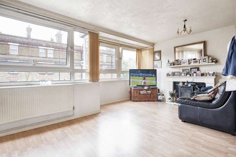 3 Bedrooms Flat for sale in Keats House, Roman Road, E2