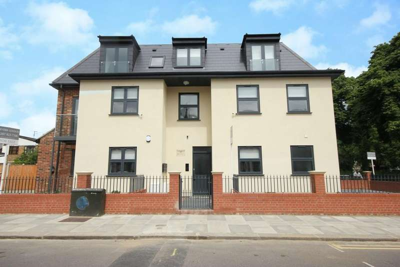 1 Bedroom Ground Flat for sale in Willoughby Road, London