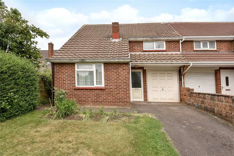 3 Bedrooms Semi Detached House for sale in Moffats Close, Sandhurst, Berkshire, GU47