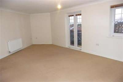 2 Bedrooms Flat for rent in Appleby Close - Darlington