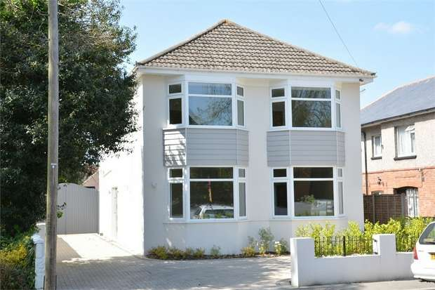 5 Bedrooms Detached House for sale in The Grove, West Christchurch, Dorset