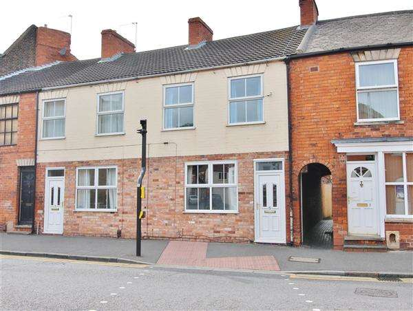 2 Bedrooms Terraced House for sale in Manthorpe Road, Grantham