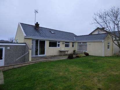 3 Bedrooms Bungalow for sale in Lon Y Llwyn, Morfa Nefyn, Pwllheli, Gwynedd, LL53