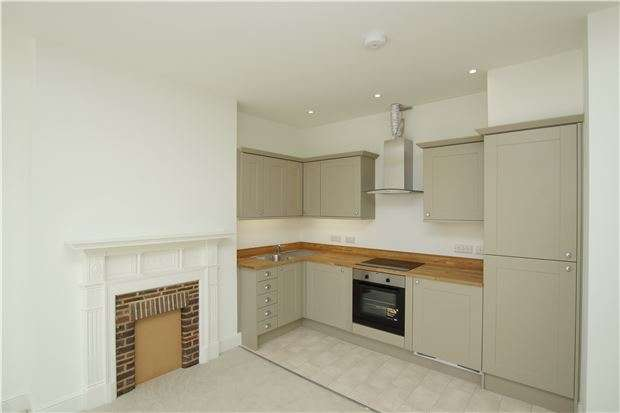 1 Bedroom Flat for sale in Flat 2 10 Parkhurst Road, BEXHILL-ON-SEA, East Sussex, TN40 1DF