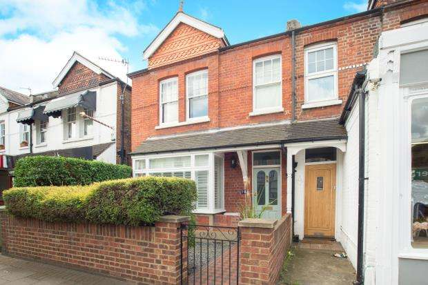 3 Bedrooms Semi Detached House for sale in East Molesey, Surrey, .