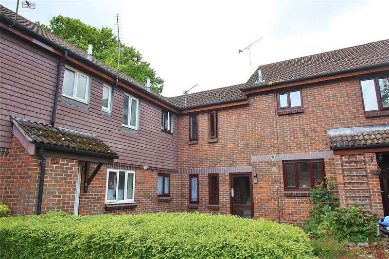 1 Bedroom Maisonette Flat for sale in Robertson Court, Woking, Surrey, GU21