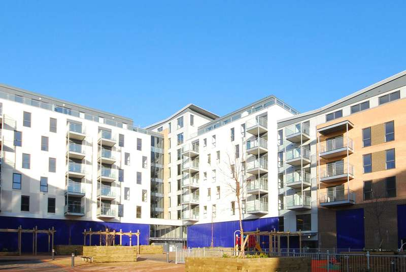 2 Bedrooms Flat for sale in Jupiter House, Canning Town, E16