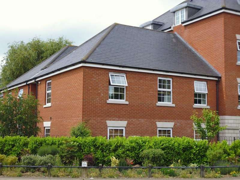 2 Bedrooms Apartment Flat for sale in Pickerel Court, Stowmarket