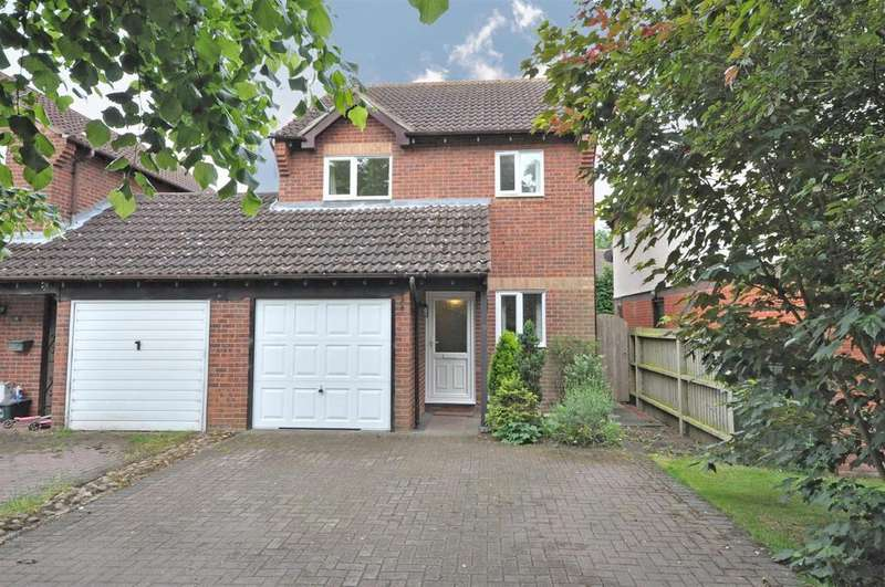 3 Bedrooms House for sale in Walnut Road, Bottesford, Nottingham